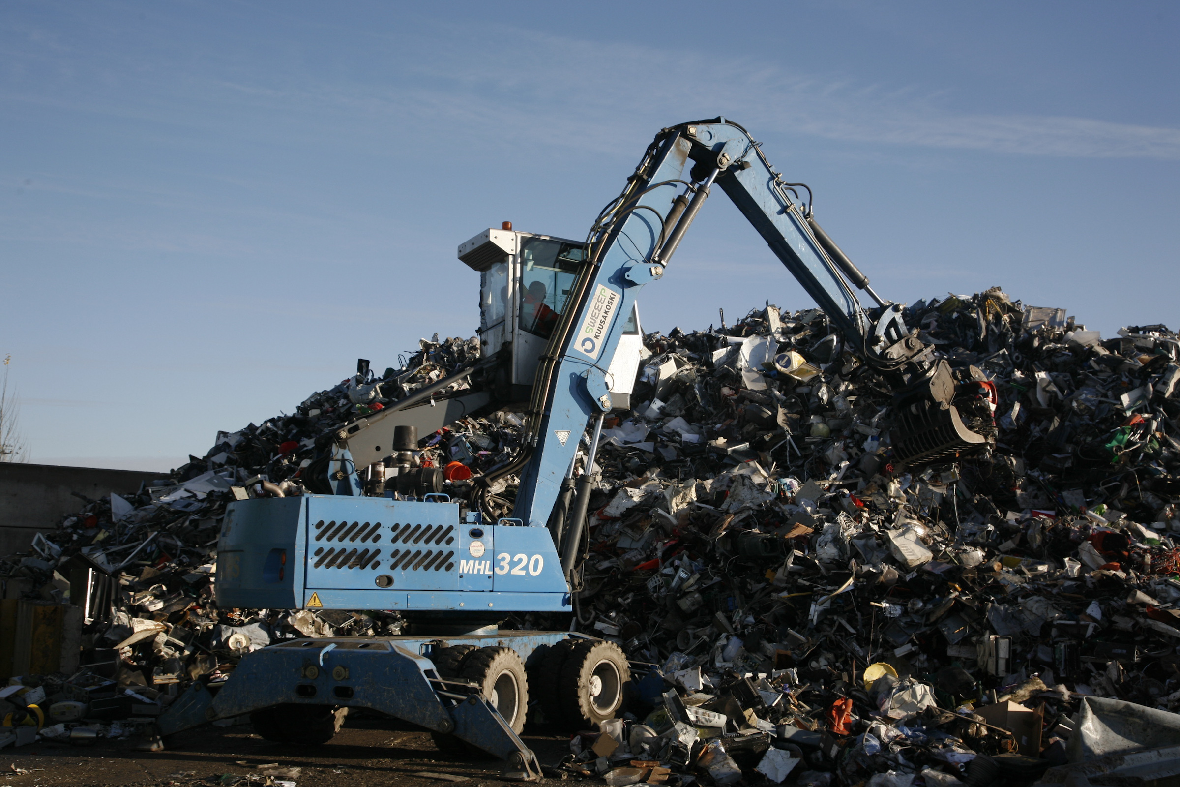 Sweeep Kuusakoski News Scrap Printed Circuit Board Recycling Equipment From Professional Aatf Forum Responds To Defras Low Ambition Weee Targets